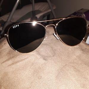 NEW Diff Cruz Aviator sunglasses